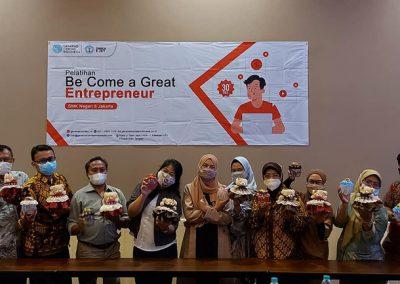 Kegiatan pelatihan bagi Pendidik SMKN 8 Jakarta sebagai Fasilitator PT GCI - Become a Great Entrepreneur